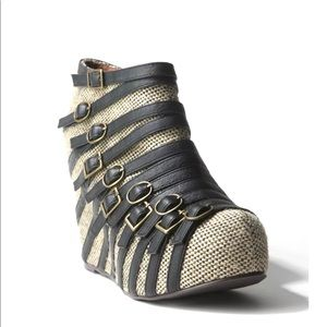 Jeffrey Campbell Multi Buckle Wedges Size 8